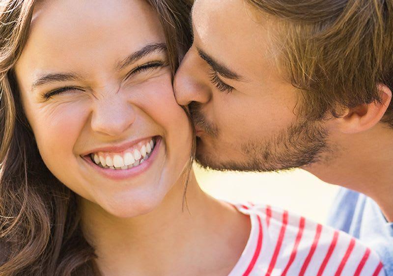 Die was wange kuss auf bedeutet küssen bedeutung